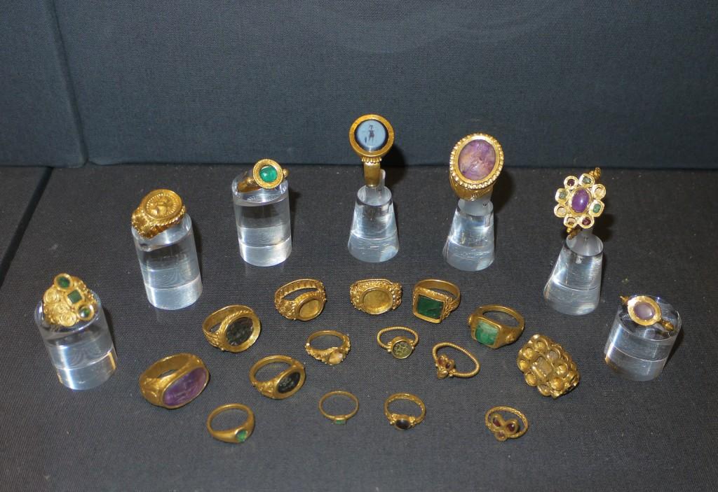 Thetford_treasure_rings