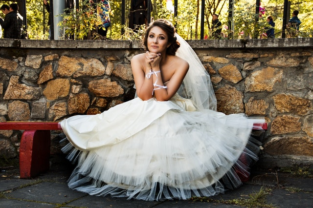 What are the Things every bride must do to prepare for their wedding?