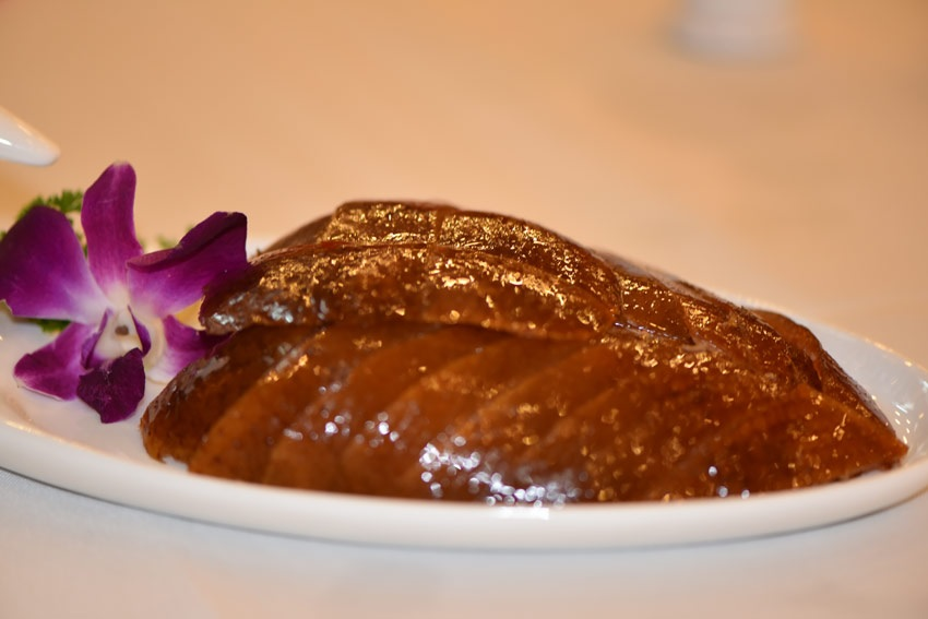 This Guide for Serving and Eating Peking Duck will help you enjoy it properly
